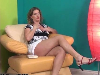 Sexy mature lady in high heels loves